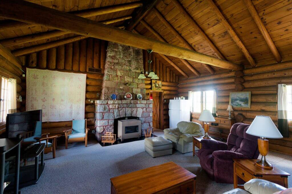 george-young-cabin-rental-08
