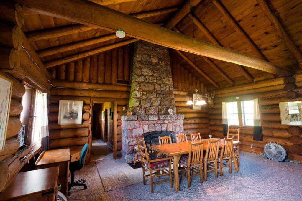 george-young-cabin-rental-09
