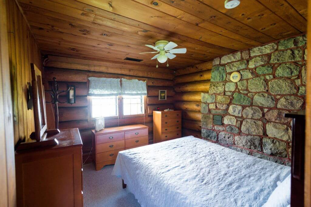 george-young-cabin-rental-11