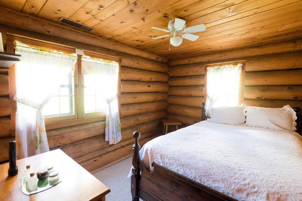 george-young-cabin-rental-12