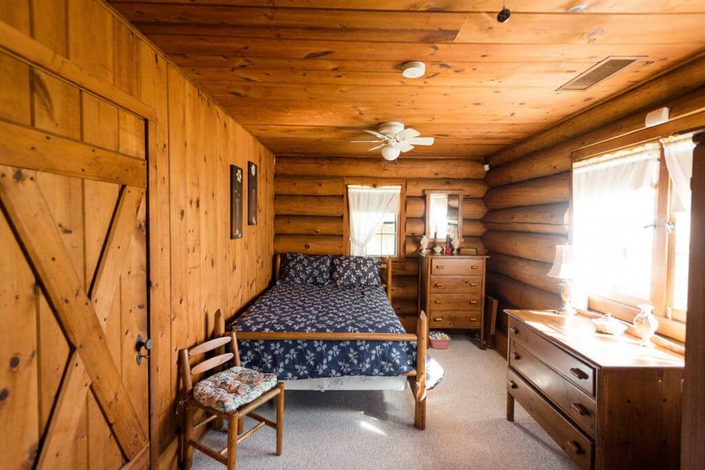 george-young-cabin-rental-16