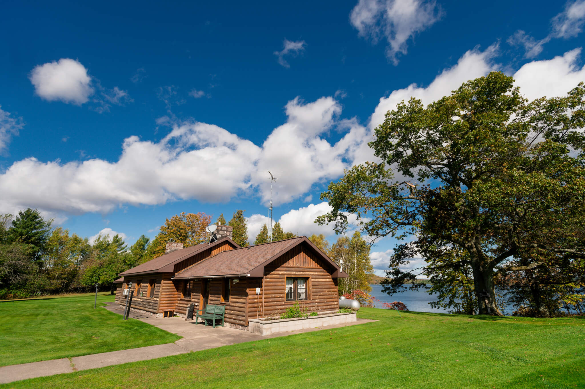Cabin, Rental, Iron River, Cabin by the Lake, Chicaugon