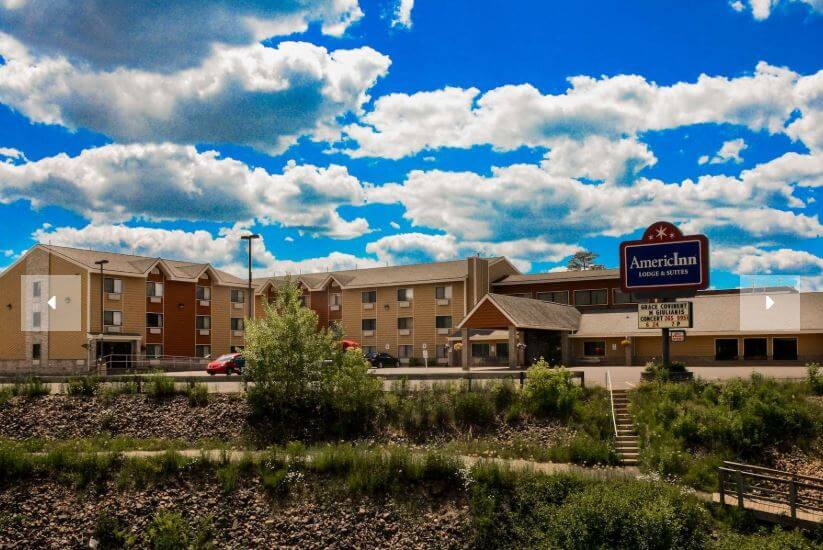 AmericInn, Iron River, Young's, Stay N Play, logding, hotel, motel, golf